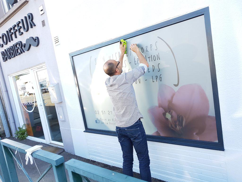 adhésif dépoli imprimé vitrine aux Sables d'Olonne Vendée 85